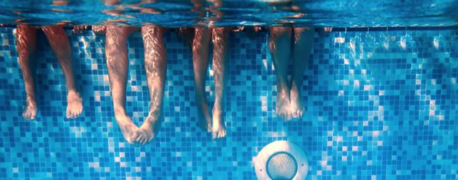 Underwater Feet in Pool Cambridge Pools Intrigue Blog
